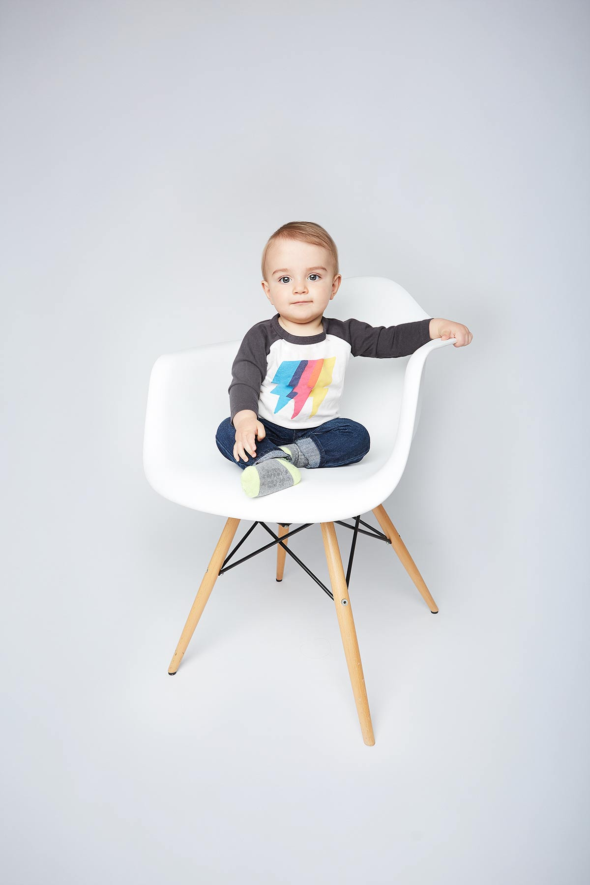 Chicago_Kids_Baby_Photo_Studio_Portraits_Modern_Family_Photographer_Tiny_Space_Studio