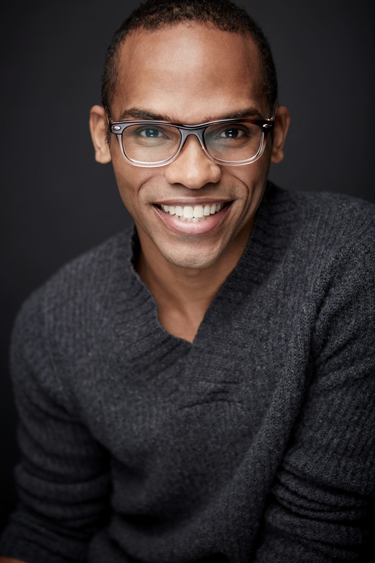 Felix_Chicago_Headshots_Photographer_Actor_Realtor_Business_Portrait_Tiny_Space_Studio