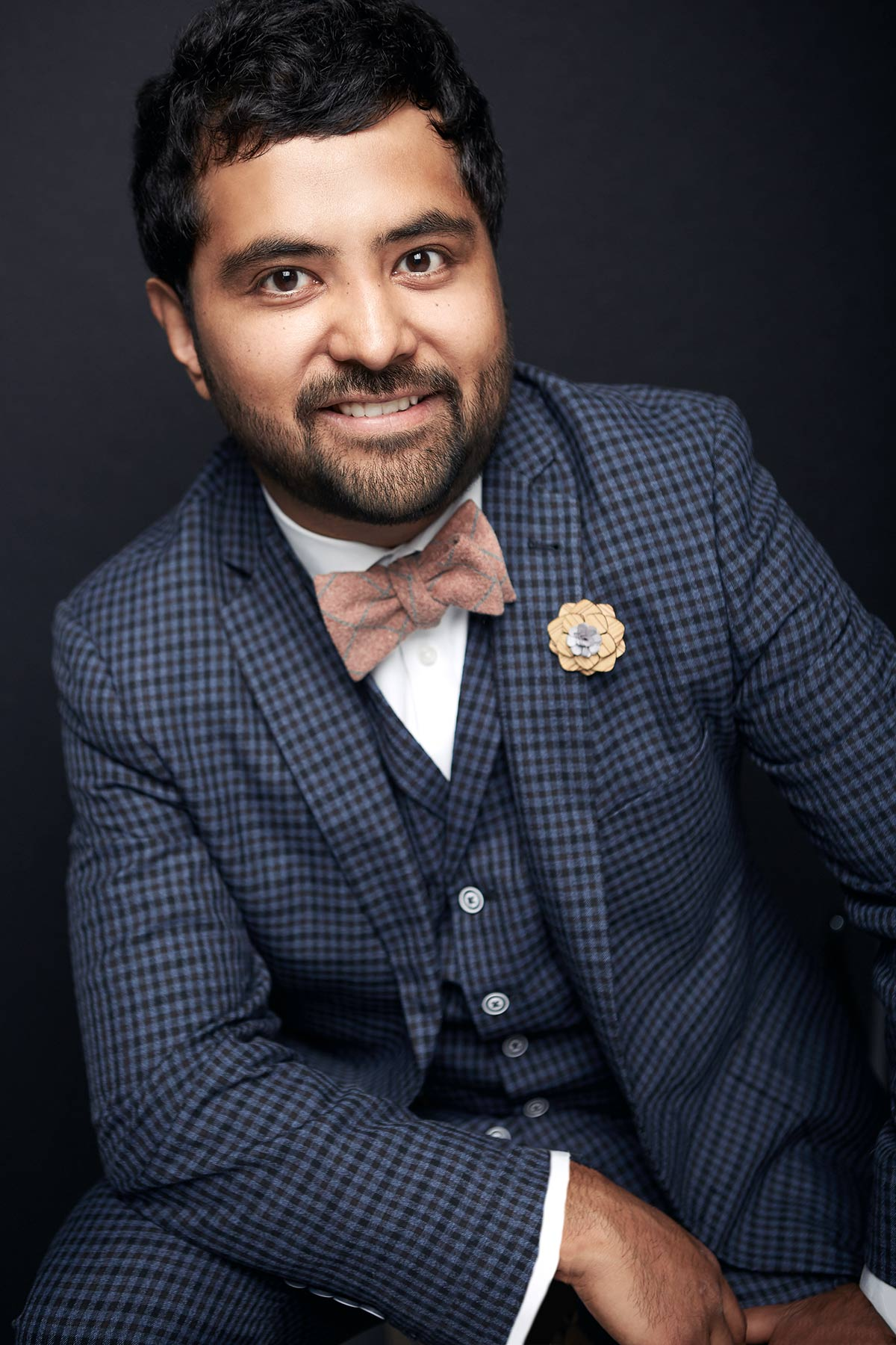 Headshot_Photographer_Chicago_Head_Shots_Best_Corporate_Professional_Modern_Bow_Tie_Tiny_Space_Studio